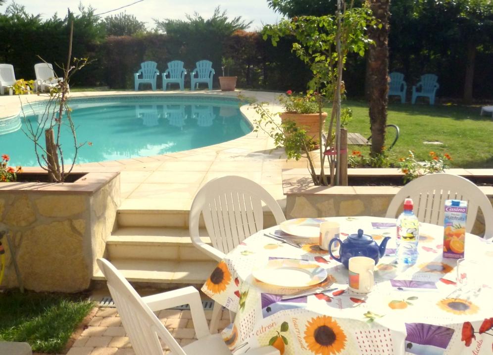 Home etoiles d - Terras met zwembad ...